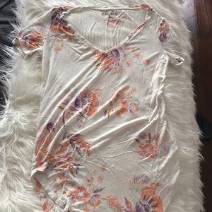 Floral v-neck t shirt